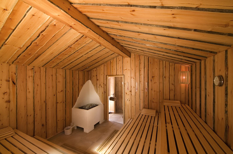 exterieur klassische sauna ruku sauna manufaktur mit saunaofen. Black Bedroom Furniture Sets. Home Design Ideas